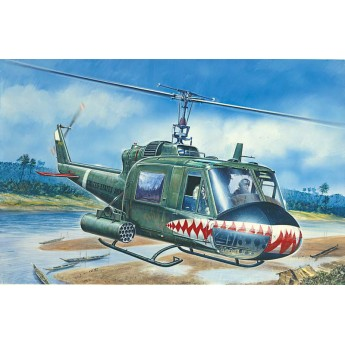 Модель вертолета UH-1C GUNSHIP (1:72)