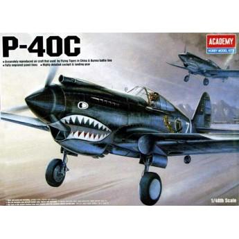 Модель самолета P-40C Tomahawk (1:48)
