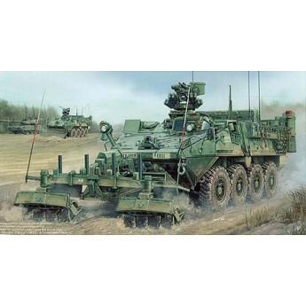 """Trumpeter 01574 Сборная модель американского БТР M1132 """"Страйкер"""" с минным тралом (1:35)"""