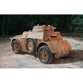 Модель бронеавтомобиля Autoblinda AB 40 (1:35)