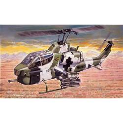 Модель вертолета AH-1W SUPER COBRA (1:72)