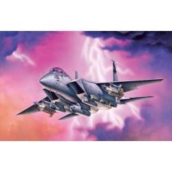 Модель самолета F-15E STRIKE EAGLE (1:72)