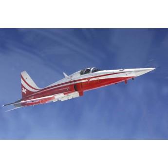 Модель самолета F-5E PATROUILLE SUISSE (1:72)