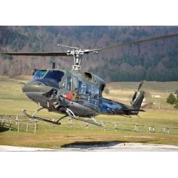 Модель вертолета AB 212/UH-1N (1:72)