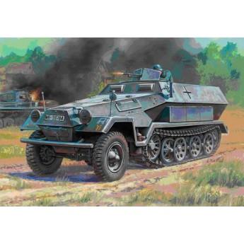 Модель бронетехники Ханомаг (1:100)