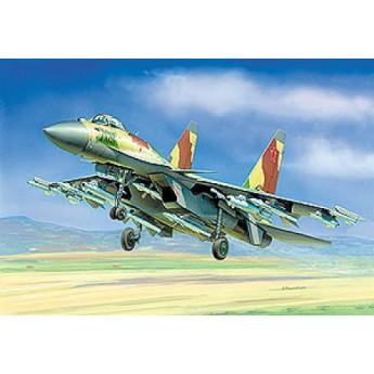 Модель самолета Су-35 (1:72)