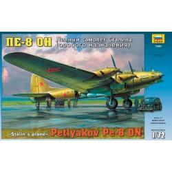 Звезда 7280 Модель самолета Пе-8ОН личный самолет Сталина (1:72)