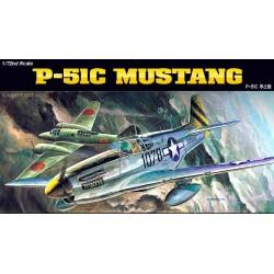 Academy 12441 Сборная модель самолета P-51C (1:72)