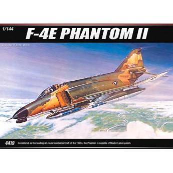 Модель самолета F-4E PHANTOM II (1:144)