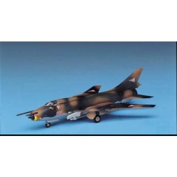 Модель самолета Su-22 FITTER (1:144)