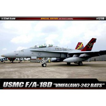 "Модель самолета USMC F/A-18D ""VMFA(AW)-242"" LE: (1:32)"