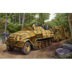 Модель бронетехника Sd.Kfz. 8 Gepanzerte 12t (1:35)