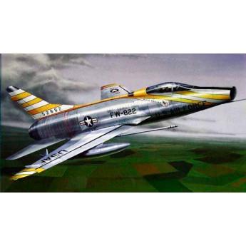 """Trumpeter 01649 Сборная модель самолета F-100D """"Супер Сейбр"""" (1:72)"""