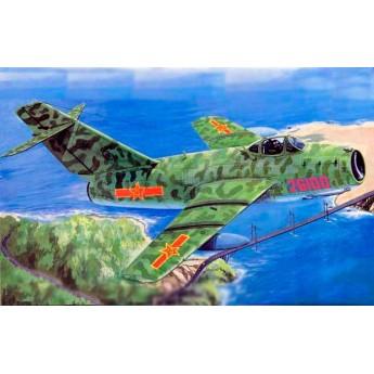 Trumpeter 02204 Сборная модель самолета МиГ-15 бис (1:32)