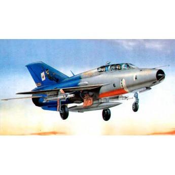 Модель самолета MiG-21UM Fighter (1:32)