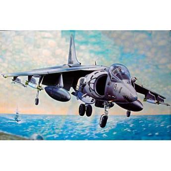 "Модель самолета AV-8B ""Харриер"" II (1:32)"