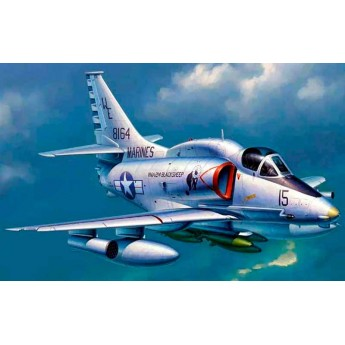 """Модель самолета А-4М """"Скайхок"""" (1:32)"""