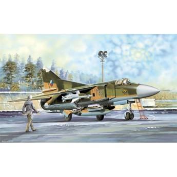 Модель самолета МиГ-23МФ (1:32)