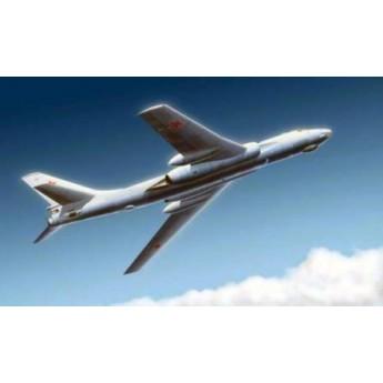 Trumpeter 03907 Сборная модель самолета Ту-16к-26 (1:144)