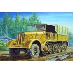 Модель 18-тонный транспортер FAMO Sd Kfz 9 (1:72)
