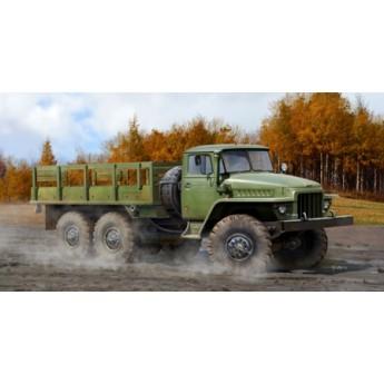 Модель автомобиля УРАЛ-375Д (1:35)