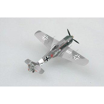 Модель самолета Fw190 A-8, красный 8 (1:72)