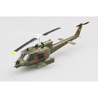 """Модель вертолета UH-1B """"Huey"""" (1:72)"""