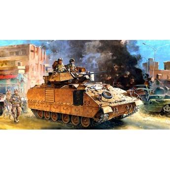 """Модель БМП M2A2 """"Брэдли"""" Ирак 2003г. (1:35)"""