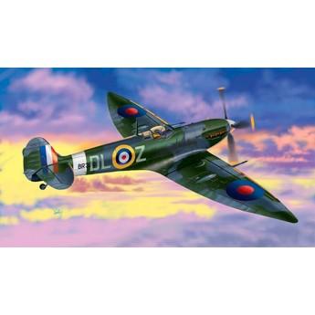 Модель самолета Supermarin Spitfire Mk.VI (1:72)