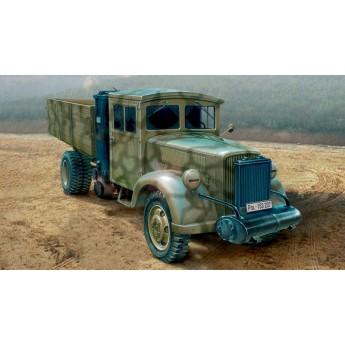 Модель автомобиля Medium 3 ton. Truck- COAL ENGINE (1:35)