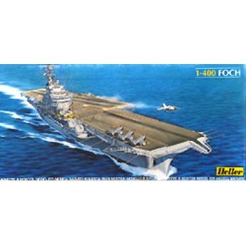 Модель авианосца Фош (1:400)