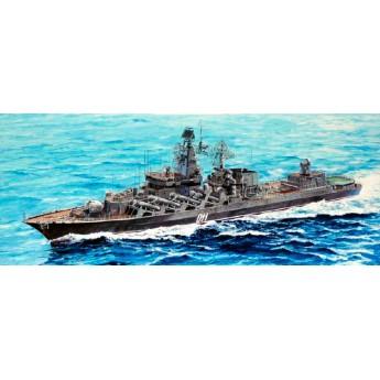"""Ракетный крейсер """"Варяг""""(1:700)"""
