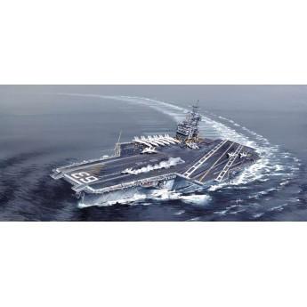 Корабль U.S.S. KITTY HAWK CV-63 (1:720)