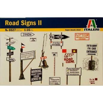 Аксессуары дорожные знаки и столбы (1:35)