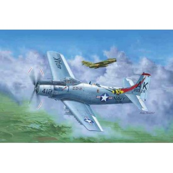 Самолет A-1H AD-6 Skyraider (1:35)