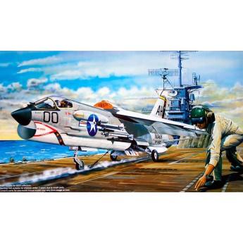 """Самолет F-8E """"Крусейдер"""" (1:35)"""