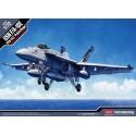 "Модель самолета USN F/A-18E VFA-143 ""Pukin Dogs"" (1:72)"
