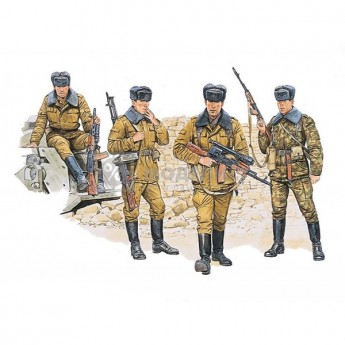 Dragon 3008 Фигуры Soviet Motor Rifle Troops (1:35)
