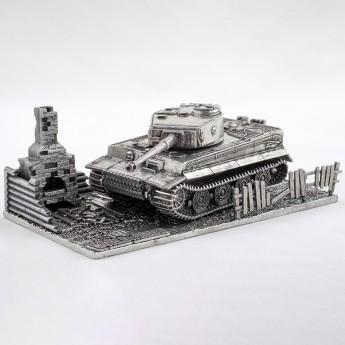 HeavyMetal.Toys Модель танка Tiger I из металла с подставкой (1:72)