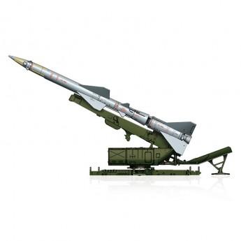Hobby Boss 82933 Сборная модель ракеты Sam-2 Missile with Launcher Cabin (1:72)